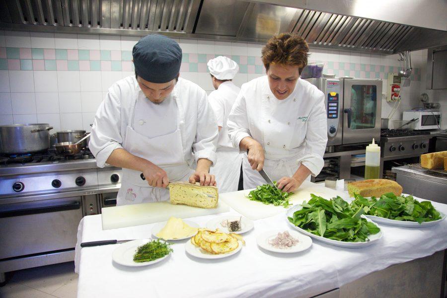 In cucina con le erbe spontanee